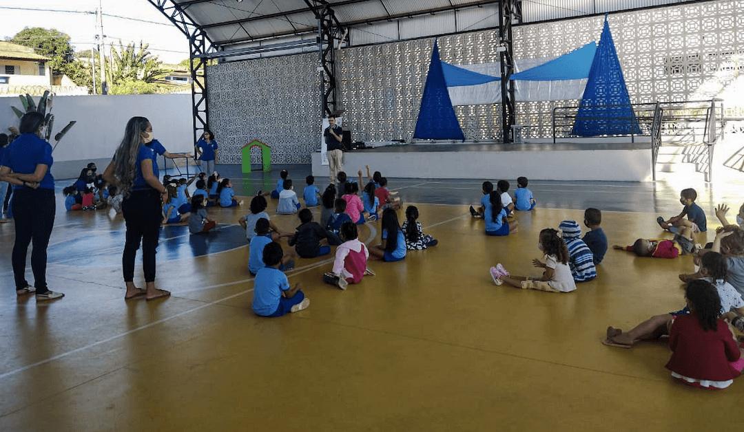 Abertura do Ano Inaciano na Escola Nhá Chica